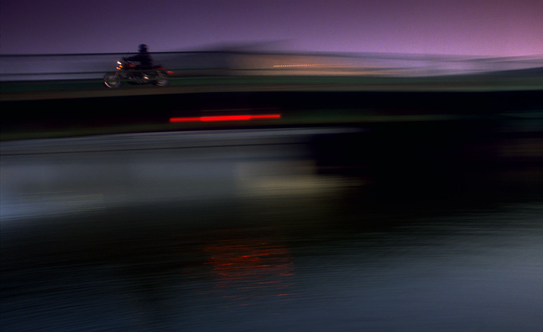 3-HARLEY-BRIDGE-BLUR-FINAL
